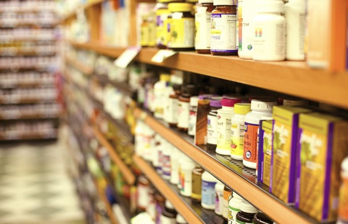 GTY_vitamins_medicine_shelf_store_sk_131114
